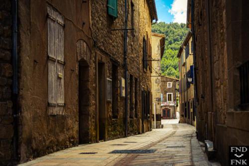 Photographie de Franck Fernandez - Lagrasse village visite critique